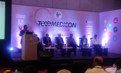 Sameer moderating a session at telemedicon